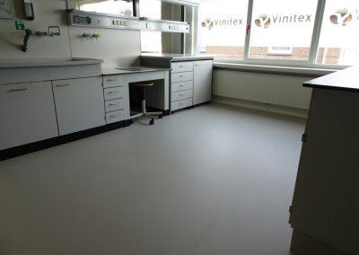 Gietvloer aangebracht in showroom Vinitex Sint-oedenrode