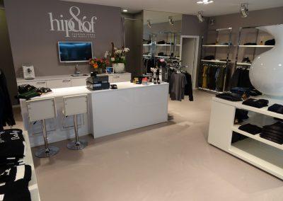 PU betonlook gietvloer in kledingwinkel Hip&Tof Beuningen Nijmegen
